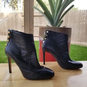 Vince Camuto Black Leather Ankle Boots Sz 7.5 Zip